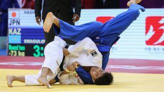 Соити Хасимото (в белом). Фото Международной федерации дзюдо