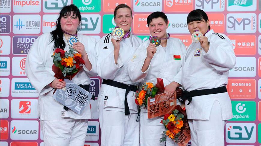 Марина Слуцкая (вторая справа). Фото Международной федерации дзюдо