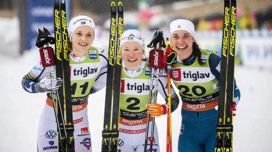 Стина Нильссон, Йонна Сундлинг и Джулия Керн. Фото FIS