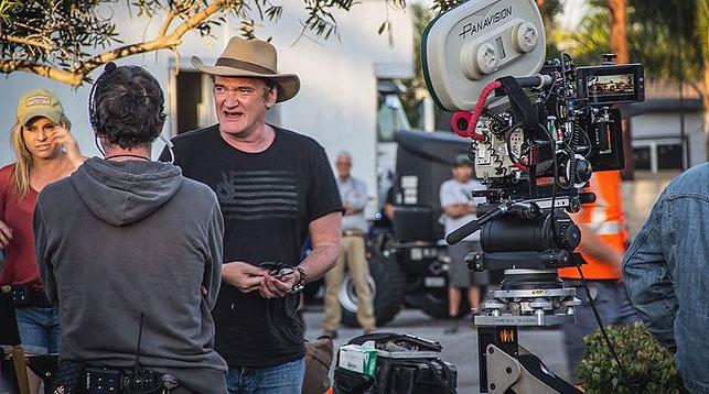 """Квентин Тарантино на съемках """"Однажды в Голливуде"""". Фото 2019-god.com"""