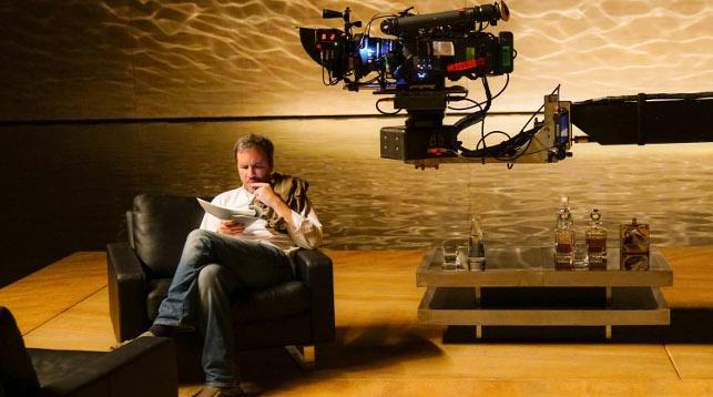 """Режиссер Дени Вильнев на съемках фильма """"Бегущий по лезвию 2049"""". Фото   Warner Bros"""