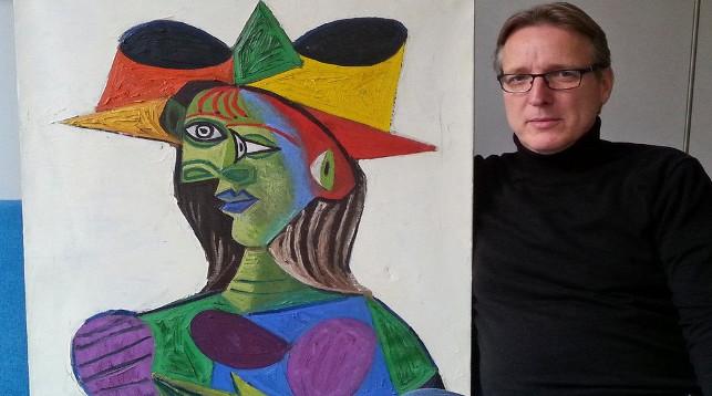 "Артур Бранд с портретом ""Бюст женщины (Дора Маар)"". Фото Tetteroo"
