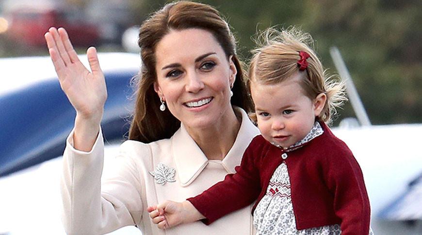 Принцесса Шарлотта заикнулась обеременности Кейт Миддлтон