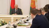 Лукашенко: государство будет проводить перемены, нонереволюционными методами