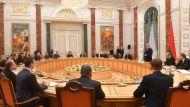 Ученые пригласили Лукашенко на демонстрацию электромобиля, он пообещал приехать на Tesla