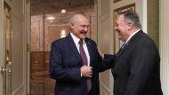 Лукашенко начал встречу с Помпео с шутки о диктатуре в Беларуси