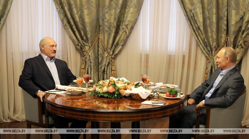 Александр Лукашенко и Владимир Путин встретились за завтраком, и в таком формате переговоры продолжались около полутора часов. Фото из архива