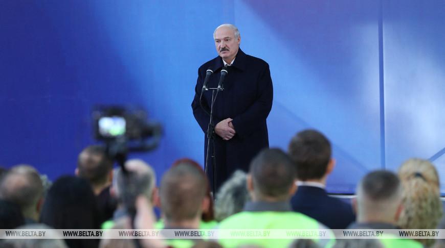 """""""Чтобы каждый год не стоять на коленях"""" - Лукашенко пояснил, зачем Беларусь покупает нефть в других странах"""