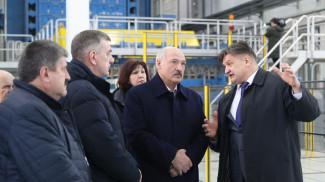 Александр Лукашенко во время посещения Светлогорского ЦКК