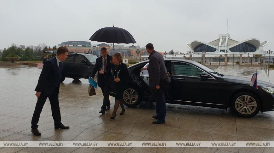 ФОТОФАКТ: Матвиенко приехала во Дворец Независимости на встречу с Лукашенко