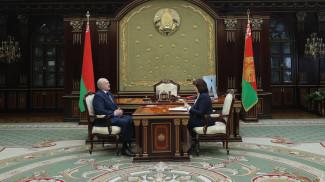 Александр Лукашенко и Наталья Кочанова