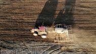 Лукашенко о весенних сельхозработах: надо быть активнее, не надо ожидать