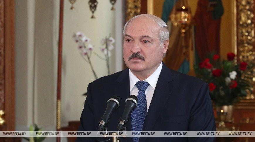 """""""Мы пока ни в чем не ошиблись"""" - Лукашенко уверен в белорусской тактике борьбы с коронавирусом"""