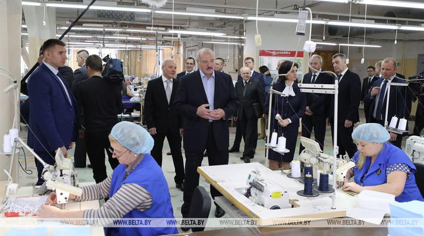 Лукашенко дал добро на экспорт защитных масок после насыщения национального рынка