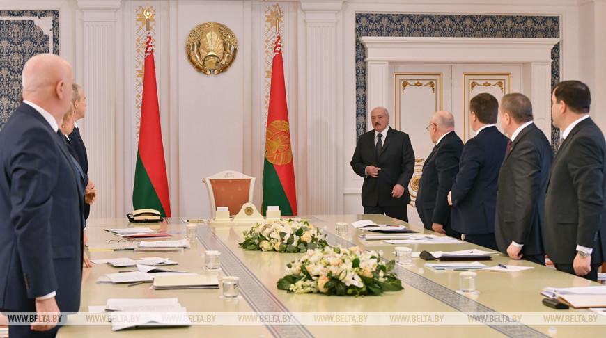 На совещании у Президента рассматривают вопросы поступления и использования иностранной безвозмездной помощи
