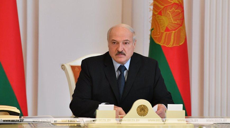 Мероприятия ко Дню Победы и эпидситуацию обсуждают на совещании у Лукашенко