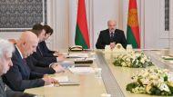 Лукашенко: главное для нас сегодня - это лечение людей - пневмонии