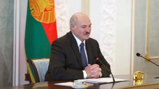 Александр Лукашенко во время видеоконференции
