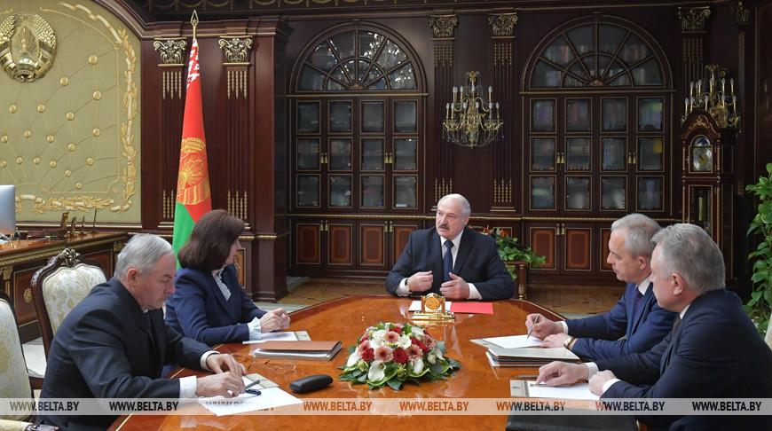 Лукашенко рассчитывает на быстрое восстановление экономики Беларуси после открытия мировых рынков
