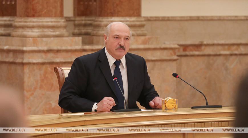 Лукашенко напомнил одному из потенциальных кандидатов, чтобы тот рассказал о причинах увольнения