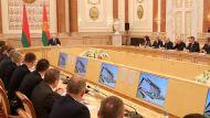 Лукашенко: все влияющие на судьбу Беларуси решения должны приниматься только внутри страны