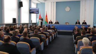 Александр Лукашенко во время встречи с активом Гродненской области