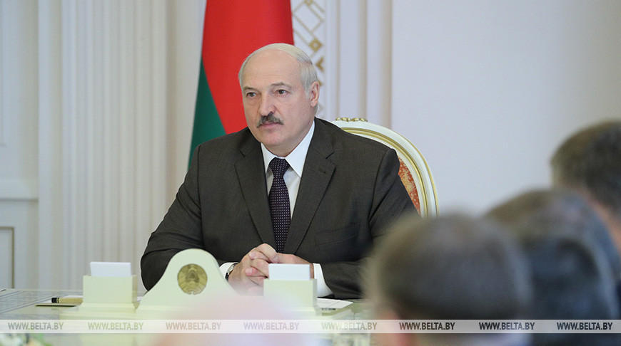 Лукашенко: я вижу, кто толкает этих кукол, которые хотят у нас тут осчастливить народ