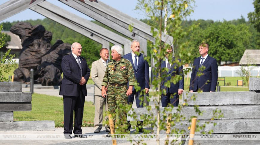 """""""Страны бы уже к этому времени не было"""" - Лукашенко о правильности выбранного пути при пандемии"""