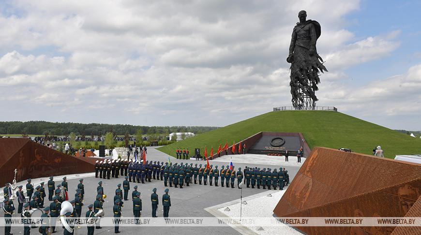 Во время церемонии открытия мемориала