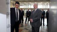 Лукашенко поручил скореллировать зарплаты у частников со средней на 10 ведущих предприятиях