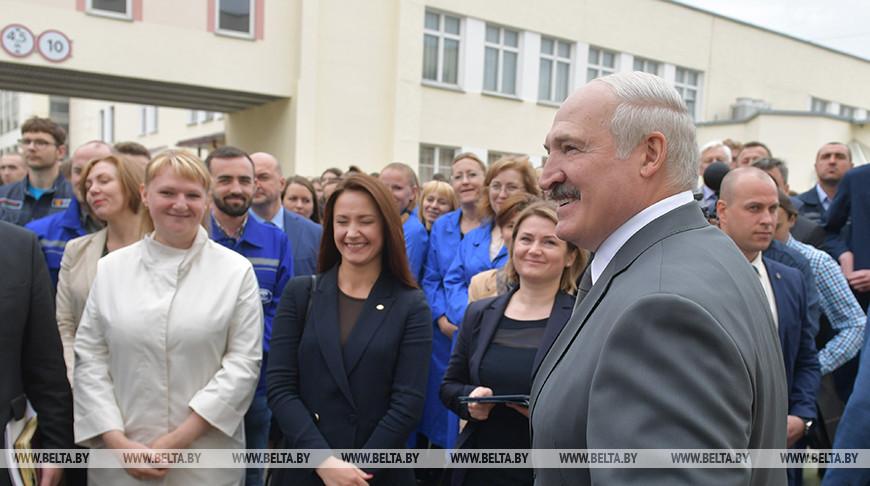 Лукашенко: я ярый сторонник электромобилей, это - будущее