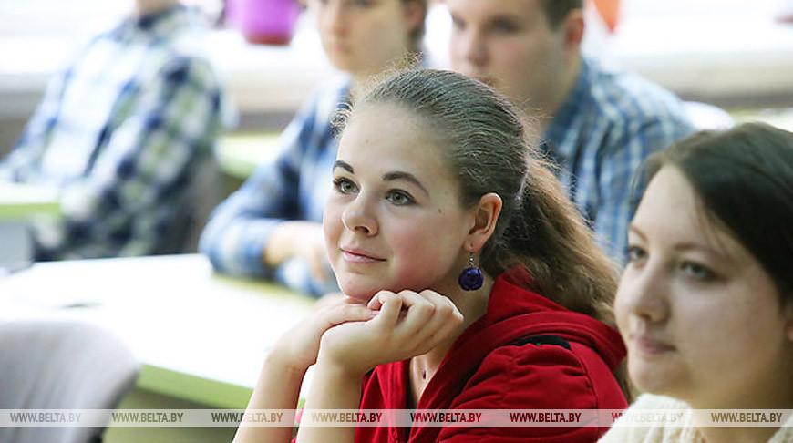 Денежные премии из спецфонда Президента Беларуси получат 326 одаренных учащихся и студентов