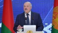 """""""Вы по росе когда ходили в последний раз?"""" - Лукашенко призывает людей изменить образ жизни"""