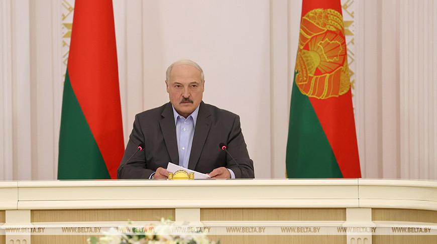 Лукашенко: выборы выборами, но первейшая задача — собрать хлеб