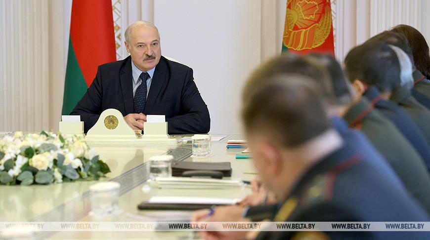 Лукашенко поручил дать оценку законности инициатив об альтернативном подсчете голосов на выборах