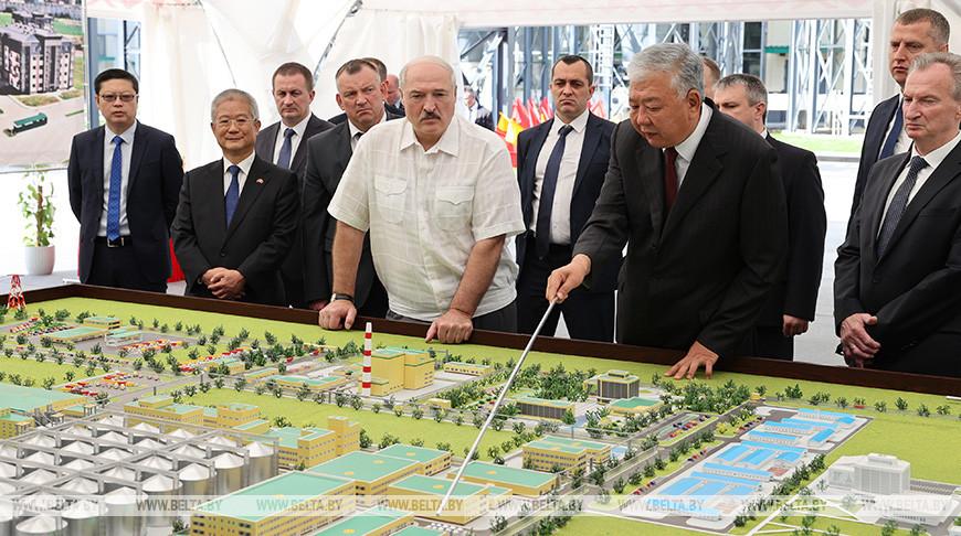 Лукашенко об уличных акциях: ответ будет адекватный, страну разорвать мы не позволим