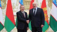 Поздравление с победой на выборах и двусторонняя повестка - состоялся телефонный разговор Лукашенко с Мирзиёевым