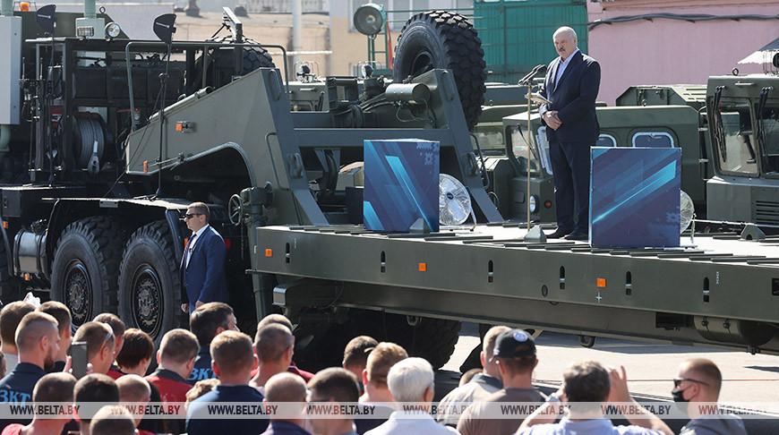 Александр Лукашенко о предприятиях: «плохой» Президент держал лишнюю численность, чтобы людей не выбрасывали на улицу (обновлено)