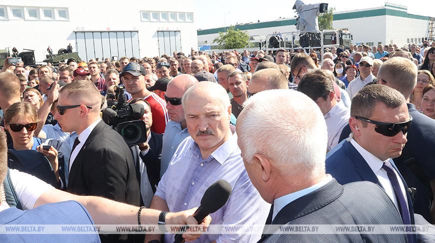 Лукашенко о провоцировании силовиков: нужен был повод для того, чтобы вы кричали «Уходи!»