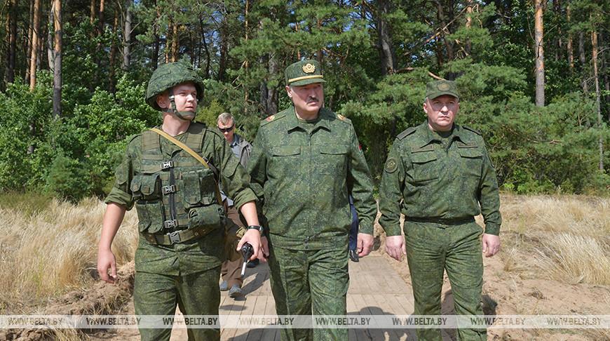 Александр Лукашенко на полигоне