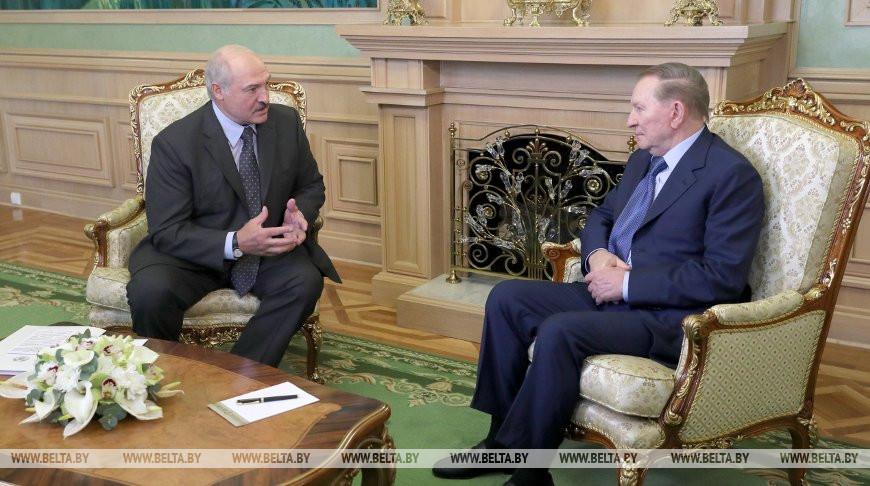 Александр Лукашенко и Леонид Кучма. Фото из архива
