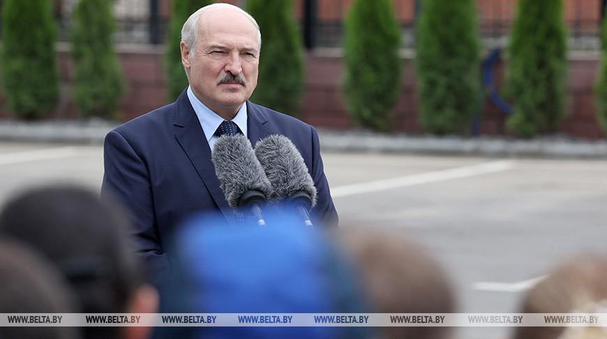 Лукашенко: за границей должны подумать, во что может превратиться Европа, если в Беларуси полыхнет