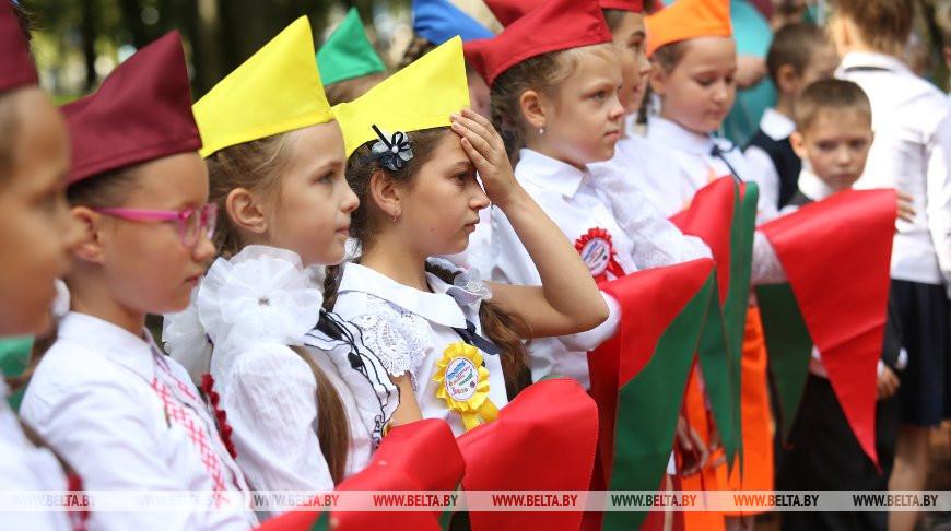 'Здесь воспитываются патриоты страны' - Лукашенко поздравил с 30-летием пионерскую организацию