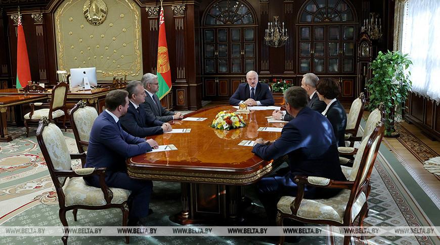 Лукашенко высказался о высшем образовании, утечке умов за границу и патриотизме в медицине