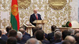 Александр Лукашенко во время церемонии