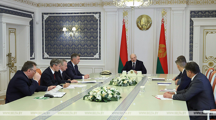 Экспорт, зарплаты и важнейшие инвестпроекты — Лукашенко собрал совещание по развитию деревообработки