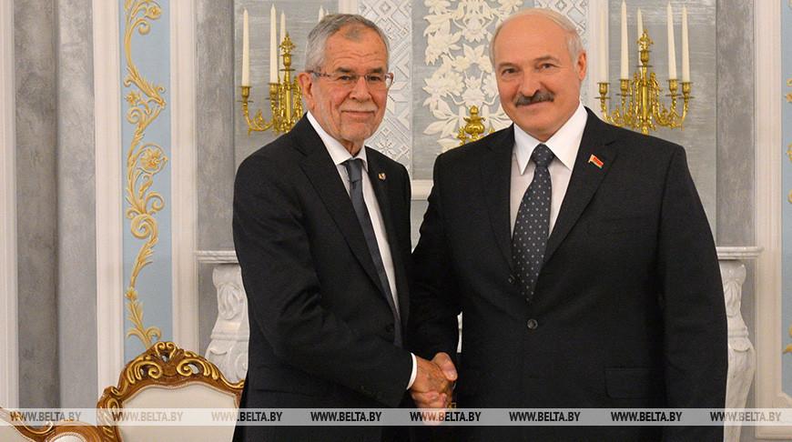 Александр Ван дер Беллен и Александр Лукашенко. Фото из архива