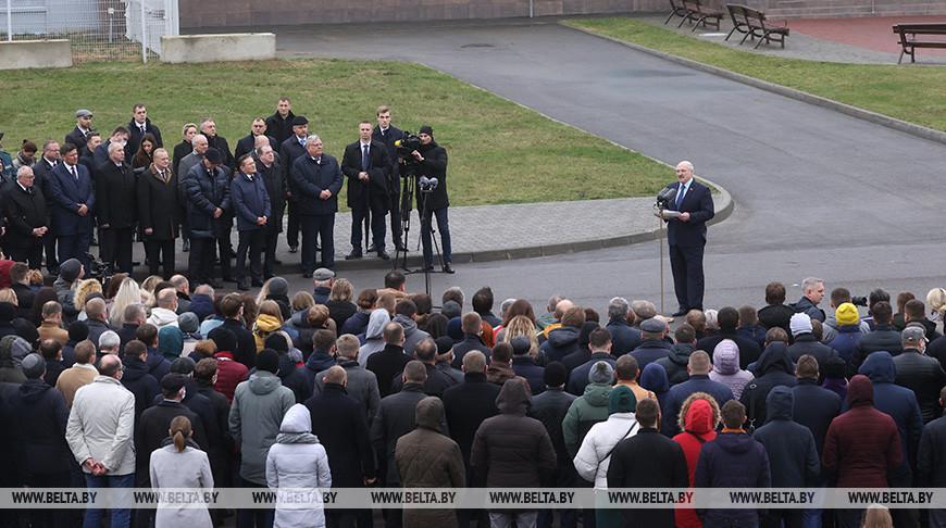 Лукашенко призвал руководство Польши и Литвы прекратить конфронтационную риторику и вернуться к диалогу