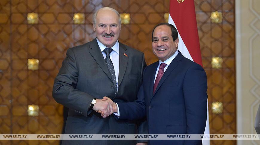 Лукашенко поздравил Президента Египта с днем рождения