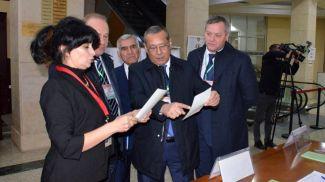 Международные наблюдатели от МПА СНГ на открытии избирательных участков. Фото МПА СНГ